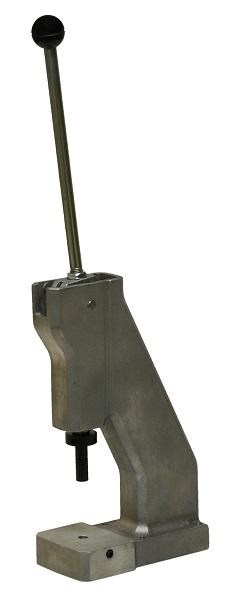 Alumiiniumist korpusega, käsijõul toimiv mehaaniline press materjalide augustamiseks ning ööside, trukkide ja neetide paigaldamiseks